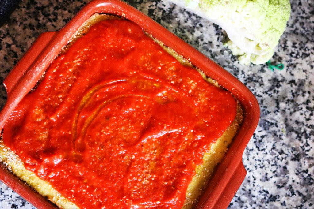 Pizza di broccolo con pomodoro
