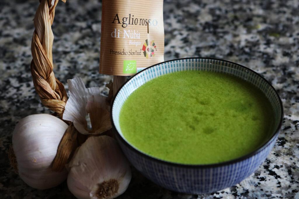 olio all'aglio cremoso con aglio di Nubia